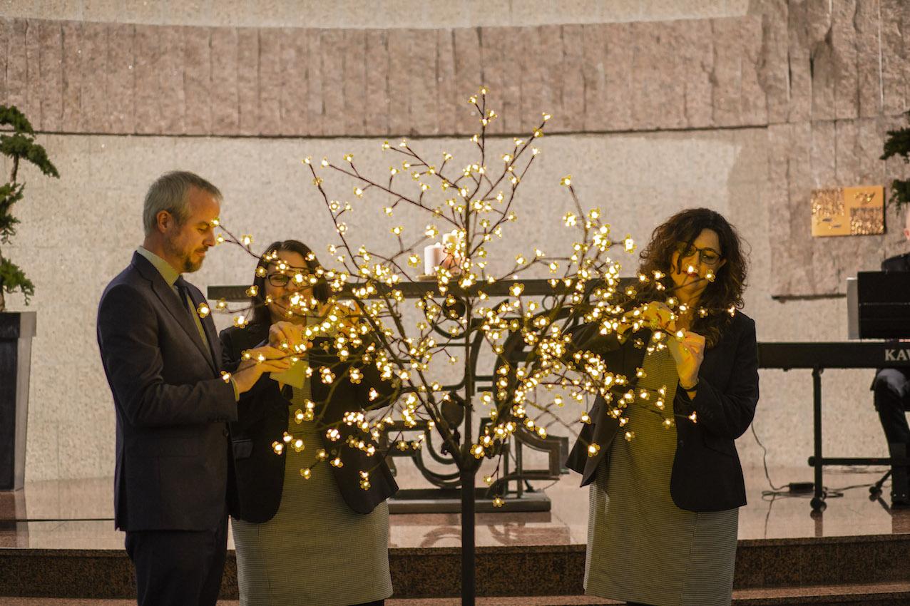 Homenaje de Navidad en memoria de nuestros seres queridos